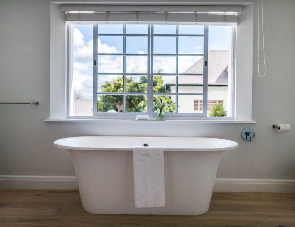 Rozenhof Villas Victoria & Albert Bath